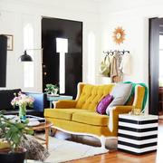 混搭风格公寓客厅地板装修