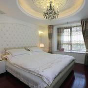 卧室石膏线装修背景墙图