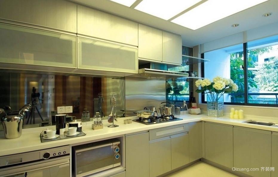 光彩夺目:时尚风格厨房装修效果图