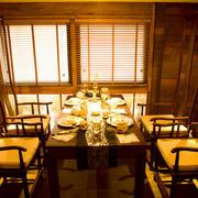 东南亚风格会所餐厅大型桌椅设计
