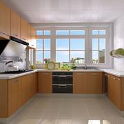 U字型的厨房精致橱柜