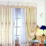 温馨黄色窗帘展示