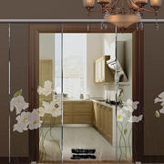 美式小厨房玻璃门设计
