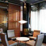 原木材料办公室桌椅设计