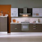 厨房咖啡色橱柜