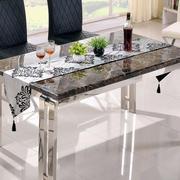 简约风格大理石餐桌装饰