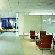 写字楼办公室皮制桌椅设计