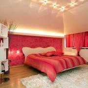 简洁婚房红色背景墙