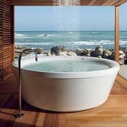 海景房露天浴室设计