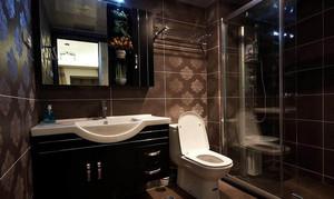 2015家用型干净整洁厕所装修效果图