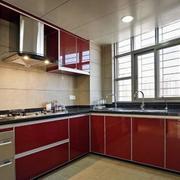 厨房红色靓丽橱柜