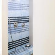 公寓卫生间隔断门设计