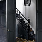 美式黑色尊贵华丽的楼梯设计