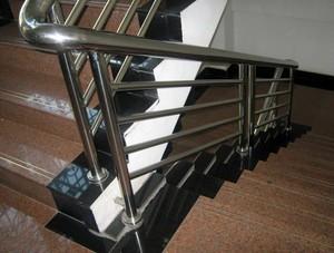 安全经济型不锈钢楼梯扶手效果图