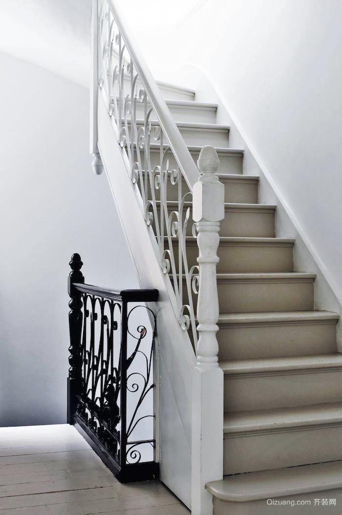 欧式创新:2层典雅别墅装修设计效果图