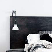 别墅黑色床头背景墙