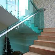 经济现代化的楼梯