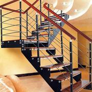 温馨色调楼梯装修图片