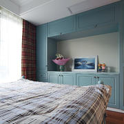 90平米房子女生卧室绿色收纳柜设计