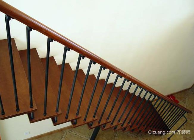 复式楼造型独特钢木楼梯装修效果图