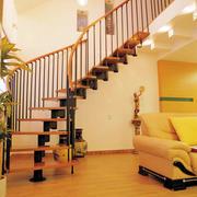 暖色调楼梯装修图片