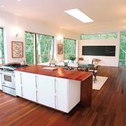 别墅开放式厨房地板