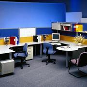 色彩鲜艳办公室