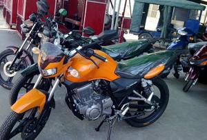时尚风格摩托车专卖店装修效果图