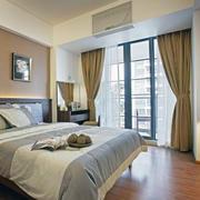暖色调的经典卧室设计