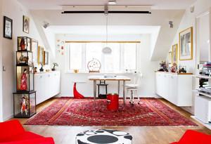 单身小公寓红色地毯
