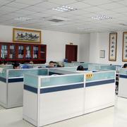 简约密集式办公室装饰