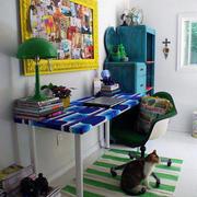 色调均匀的书房搭配