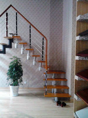 性价比不错的钢木楼梯装修效果图