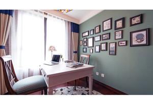 别墅墨绿色墙面装饰