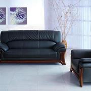 简约风格沙发照片墙装饰