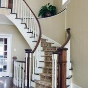 纯白色调楼梯装修