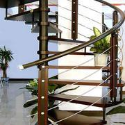 结实的楼梯装修图片