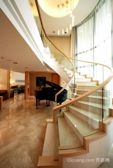 独具特色单身公寓旋转楼梯装修效果图