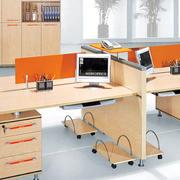 现代简约风格原木办公桌效果图