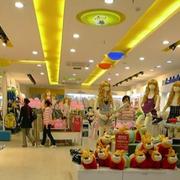 大型购物商场服装店装饰