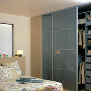 简约便利的卧室衣柜