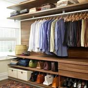 简约实用的衣柜
