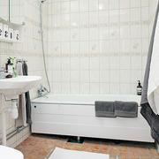 纯白色奢华浴室设计