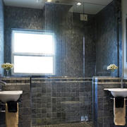 后现代风格深色浴缸装饰