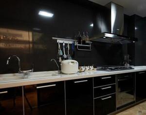 深色系简约厨房装饰