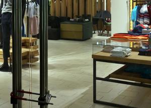 2015年全新服装店货架装修效果图设计