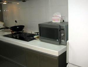 2015全新后现代风格开放式厨房装修效果图