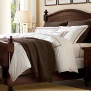 美式深色系卧室家具装饰