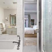 2层白色精美卧室家装设计