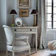 房屋卧室复古化妆台